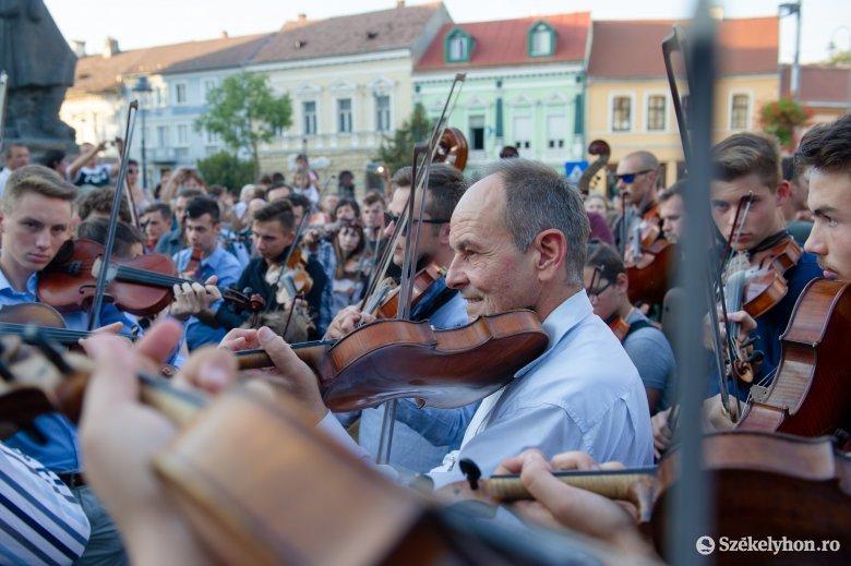 Székelyudvarhelyre jönnek az erdélyi táncházasok