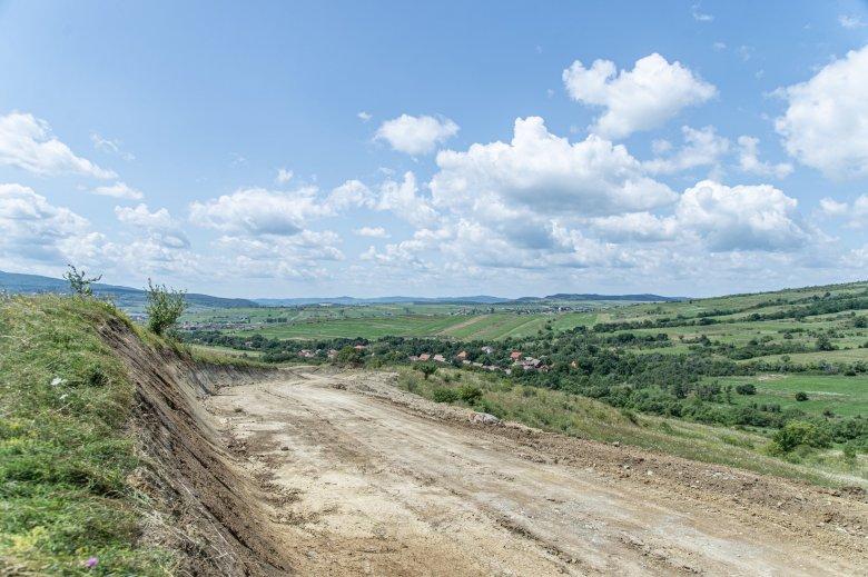 Járhatatlan utat hoznak rendbe Bogárfalva és Oroszhegy között