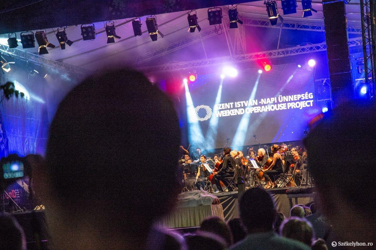 https://media.szekelyhon.ro/pictures/udvarhely/aktualis/2019/05_augusztus/o_sznt-istv-koncert-na-11.jpg