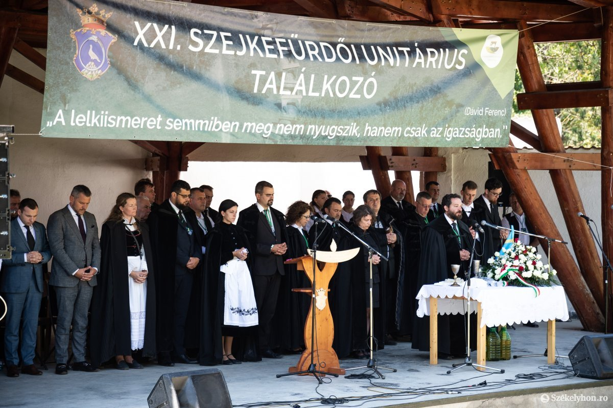 https://media.szekelyhon.ro/pictures/udvarhely/aktualis/2019/05_augusztus/o_unitarius-talalkozo-szejke-19-16.jpg