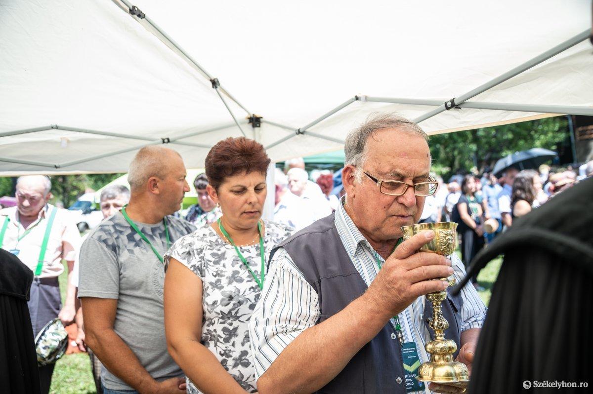 https://media.szekelyhon.ro/pictures/udvarhely/aktualis/2019/05_augusztus/o_unitarius-talalkozo-szejke-19-24.jpg