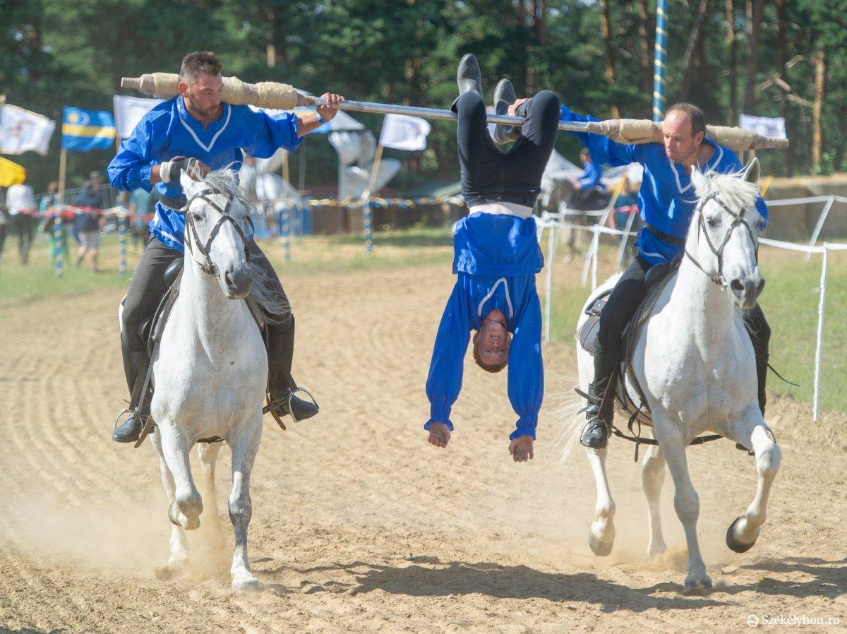 https://media.szekelyhon.ro/pictures/udvarhely/aktualis/2019/07_junius/01/o_szekelyvagta_belo-46.jpg
