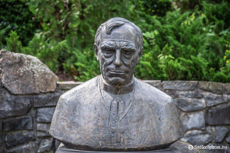 Negyven éve fogadta el a szentatya Márton Áron püspök lemondását