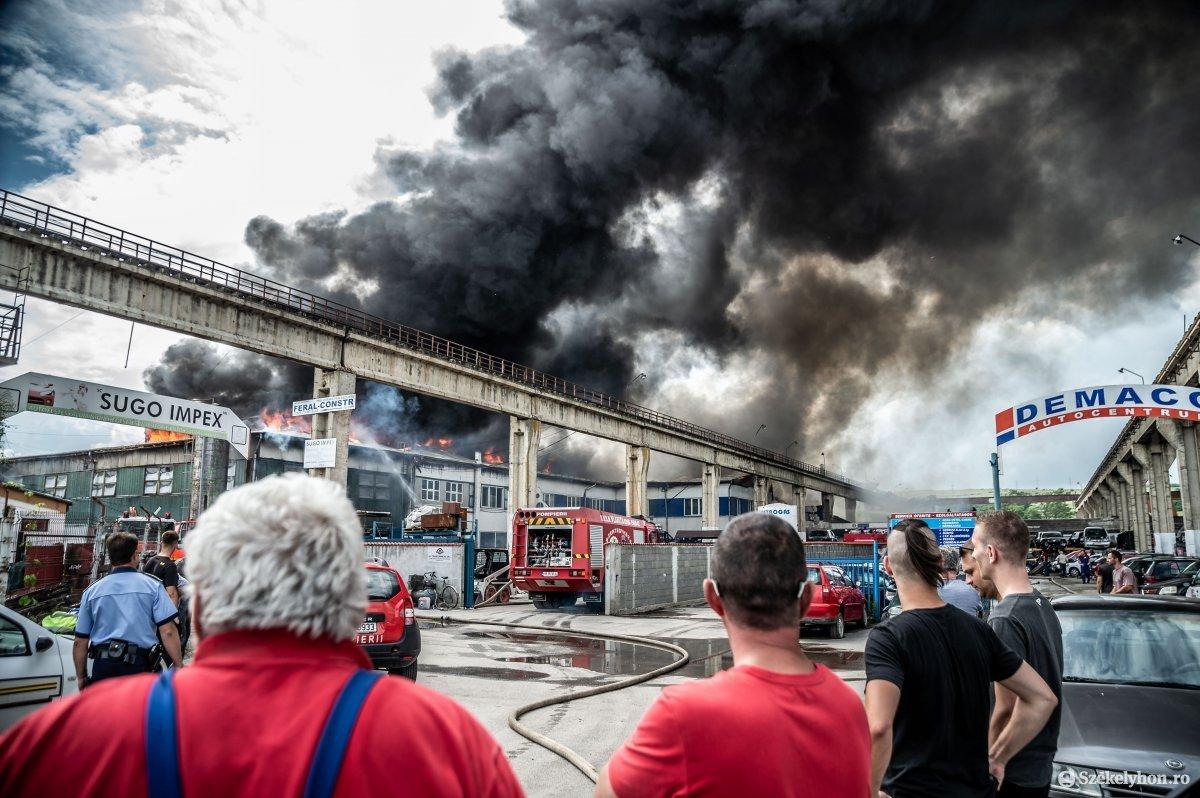 https://media.szekelyhon.ro/pictures/udvarhely/aktualis/2019/07_junius/o_tuz-demaco-ba-13.jpg