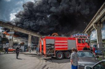 Hatalmas tűz, két sérült, apokaliptikus látvány Székelyudvarhelyen