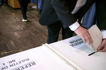 A DNA vizsgálja a voksbotrányt – bűnügyi eljárás a külföldi szavazóköröknél kialakult káosz miatt