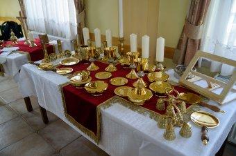 Székelyudvarhelyen mutatták be a csíksomlyói pápai szentmise liturgikus eszközeit