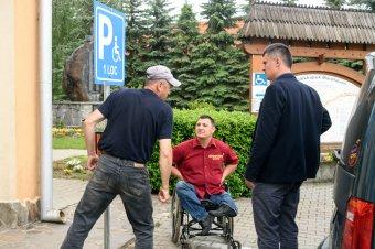 Mozgássérült-parkolót hoztak létre Máréfalván