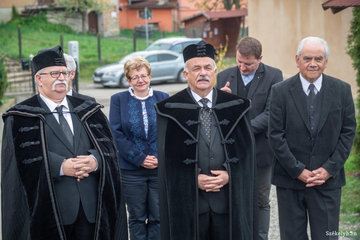 https://media.szekelyhon.ro/pictures/udvarhely/aktualis/2019/08_majus/o_puspoki-vizitacio-farcad-ba-5.jpg