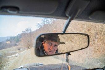 Zsigerből fotózó polgármester