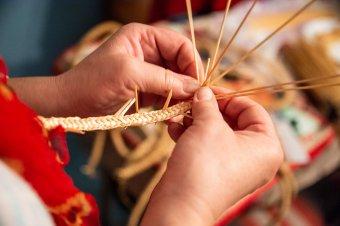 Anyagilag is segíthetik az önkormányzatok a kézműveseket