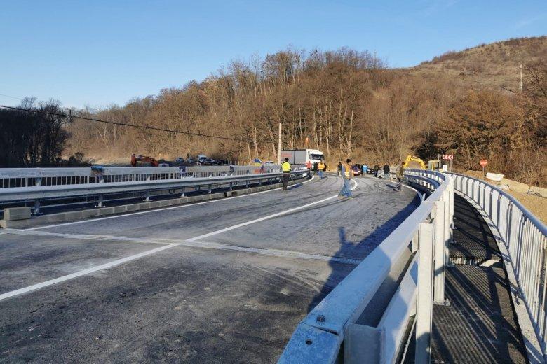 Átadták a forgalomnak az új décsfalvi hidat