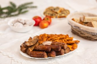 Karácsony előestéjének ünnepi vacsorája: népünk figyelmessége a Szűzanyának