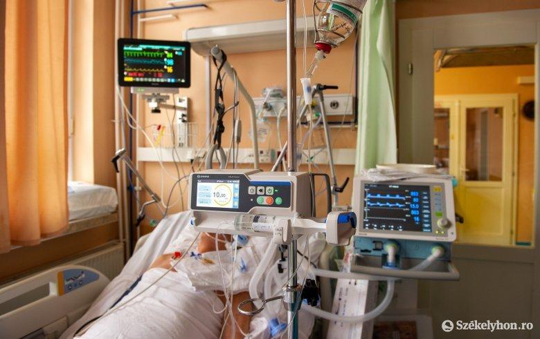 """Súlyos a járványhelyzet Arad megyében: """"ha felszabadul egy ágy az intenzíven, egy család örül, egy másik sír"""""""