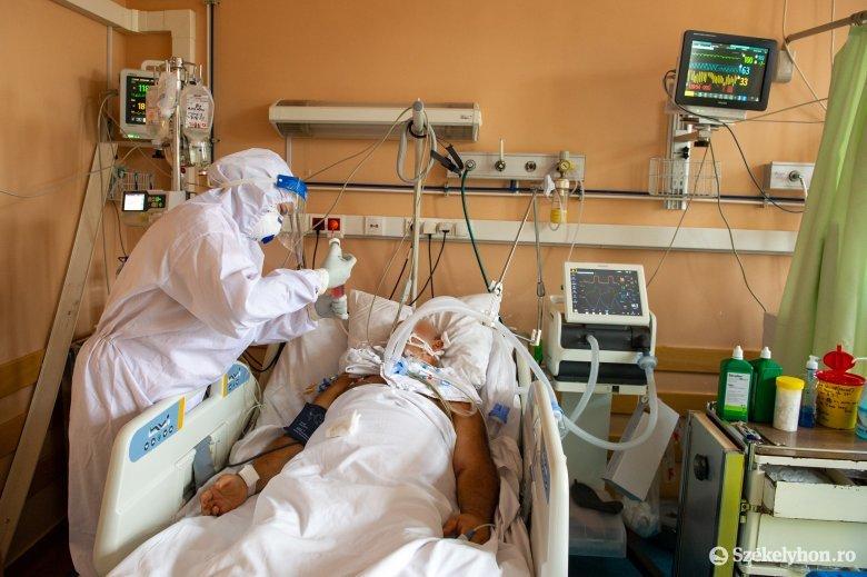 Hamarosan megtelnek az intenzív terápiás ágyak, dolgoznak a fekvőhelyek és a szakszemélyzet számának növelésén