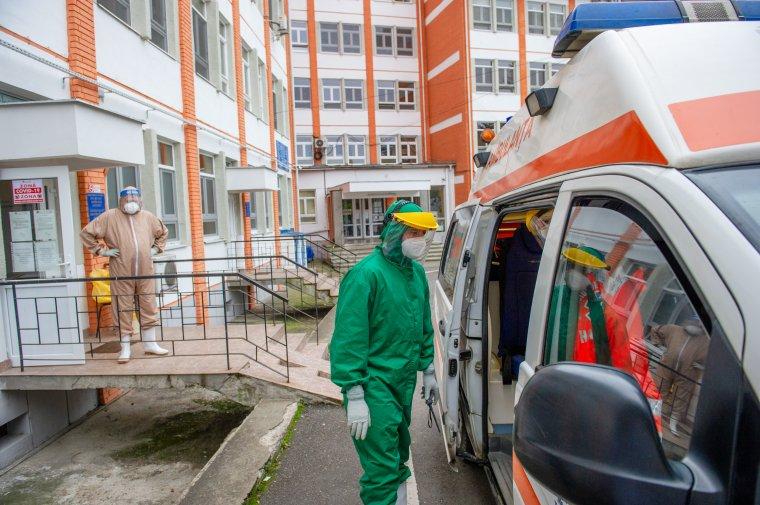 Indiai és brit vírusmutációt mutattak ki egy Bukarest melletti fertőzési gócban
