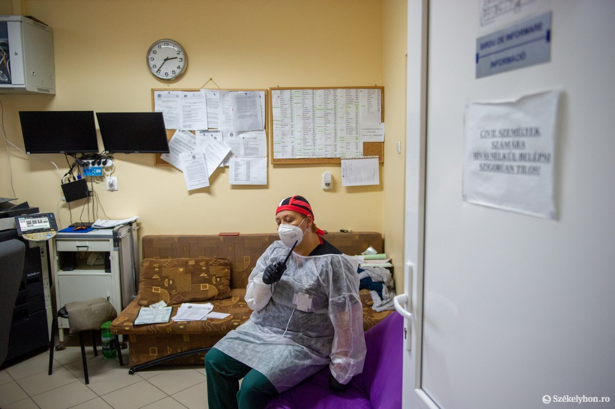 https://media.szekelyhon.ro/pictures/udvarhely/aktualis/2020/02-november/o_covid_korhaz_belo30.jpg