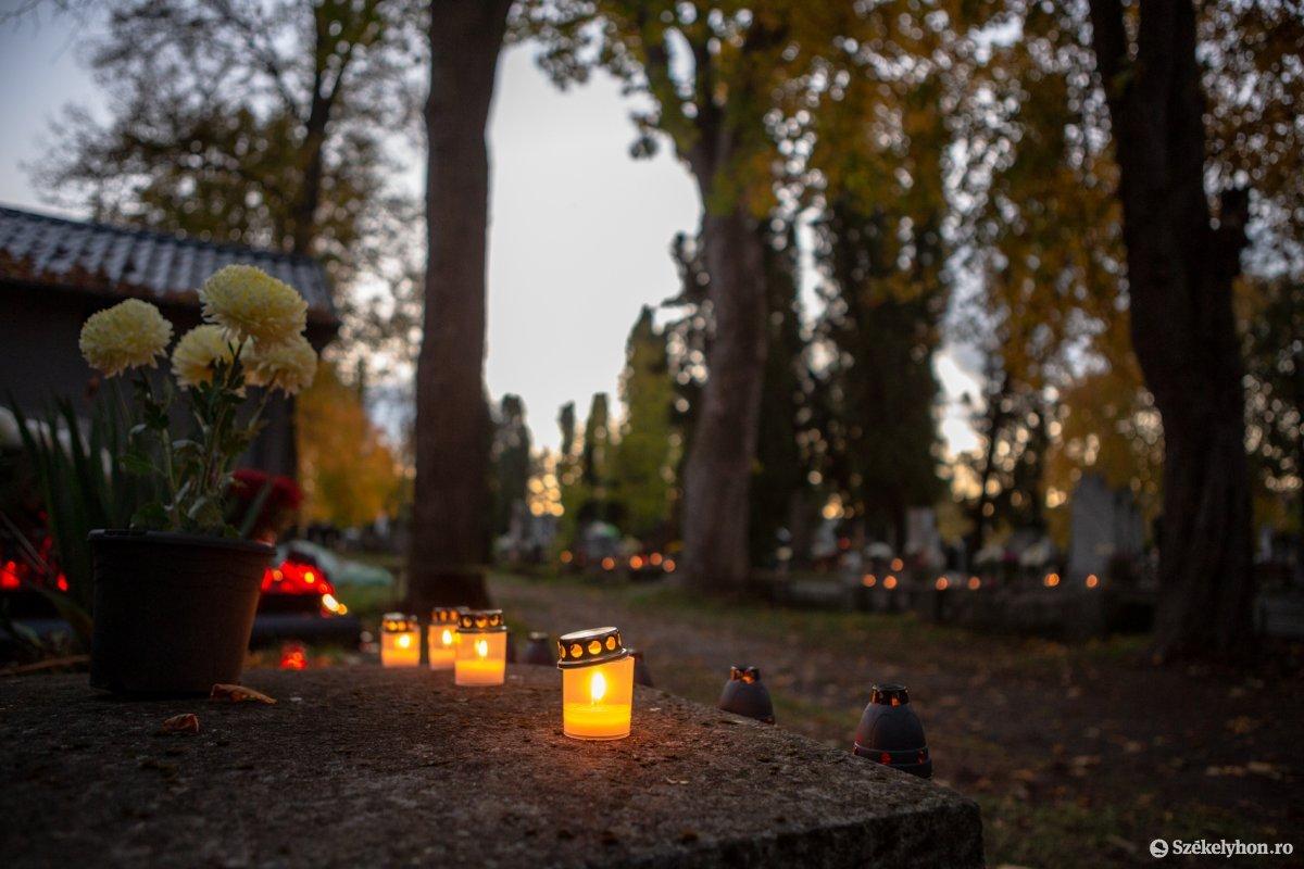 https://media.szekelyhon.ro/pictures/udvarhely/aktualis/2020/02-november/o_halottaknapja-ebe-3.jpg