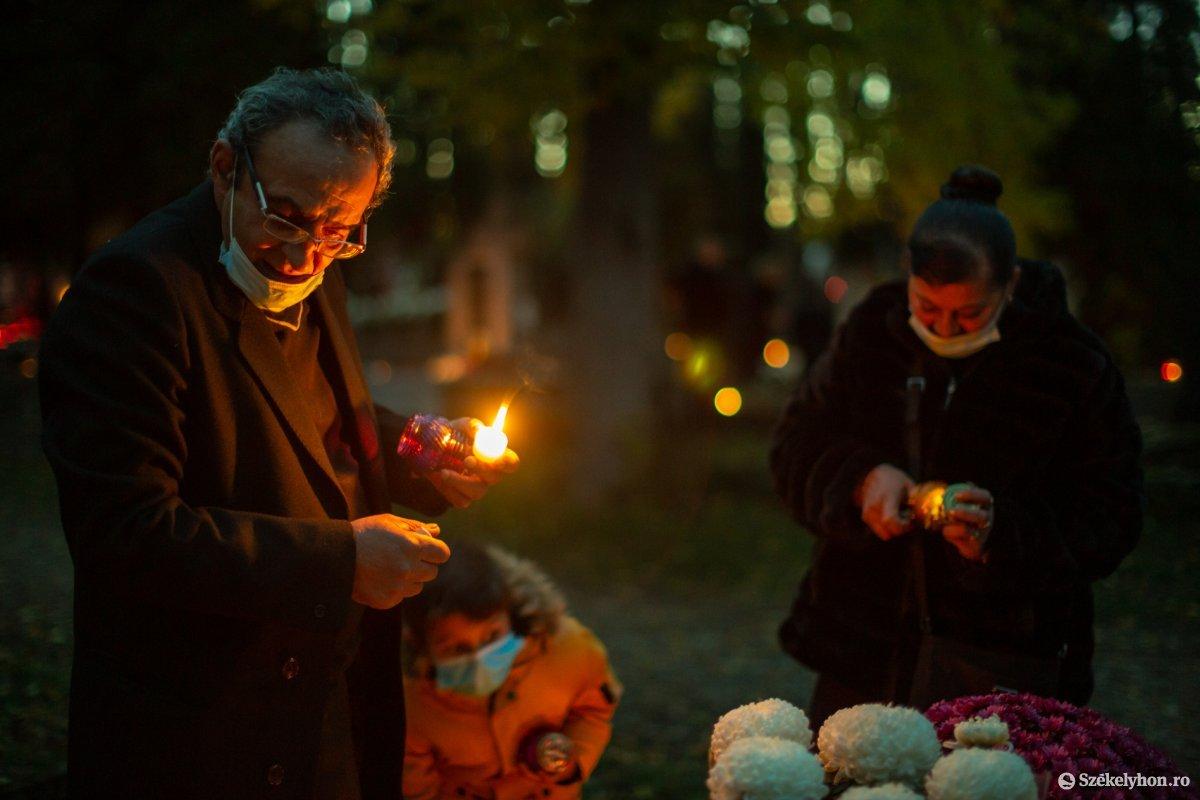 https://media.szekelyhon.ro/pictures/udvarhely/aktualis/2020/02-november/o_halottaknapja-ebe-7.jpg