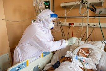 Már csak hat szabad hely van fertőzöttek számára intenzív terápián, növelnék a kapacitást