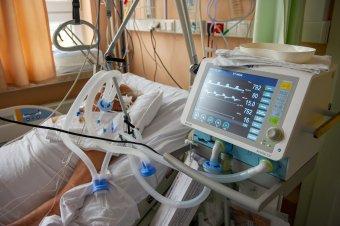 Arafat: a harmadik hullám több mint 900 pácienst talált intenzív osztályon, nő az egészségügyre nehezedő nyomás