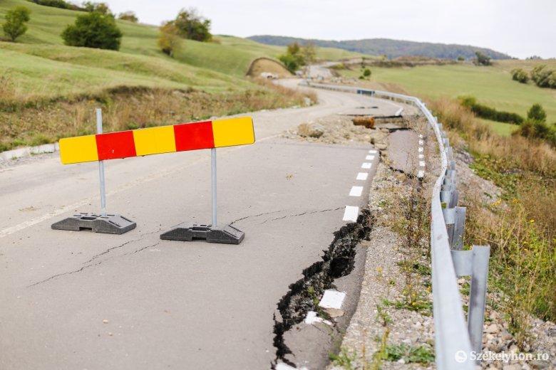 Egyelőre csak ideiglenes javításokat végeznek a leszakadt útszakaszon