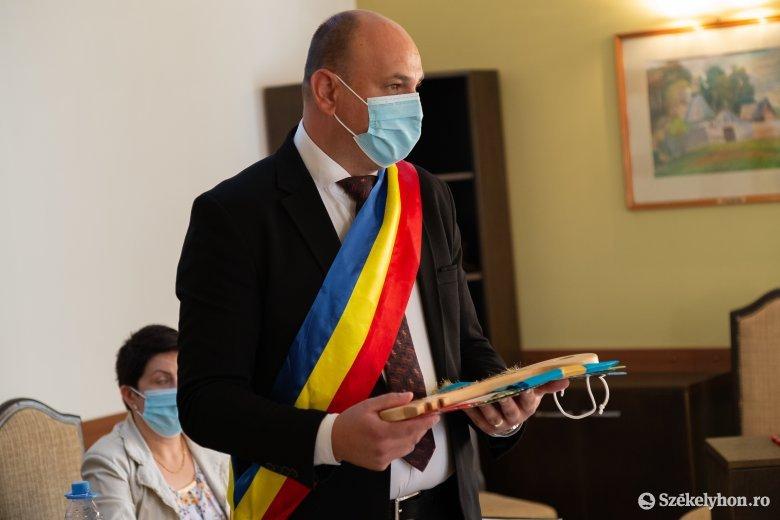 Elfoglalta vezetői tisztségét Nyágrus László, Parajd új polgármestere