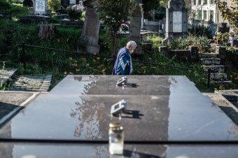 Lengyelországban zárva lesznek a temetők a Mindenszentek ünnepe körüli napokon