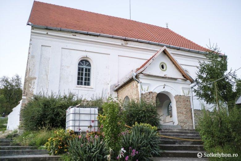Folytatódnak a magyarzsákodi unitárius templom felújítási munkálatai