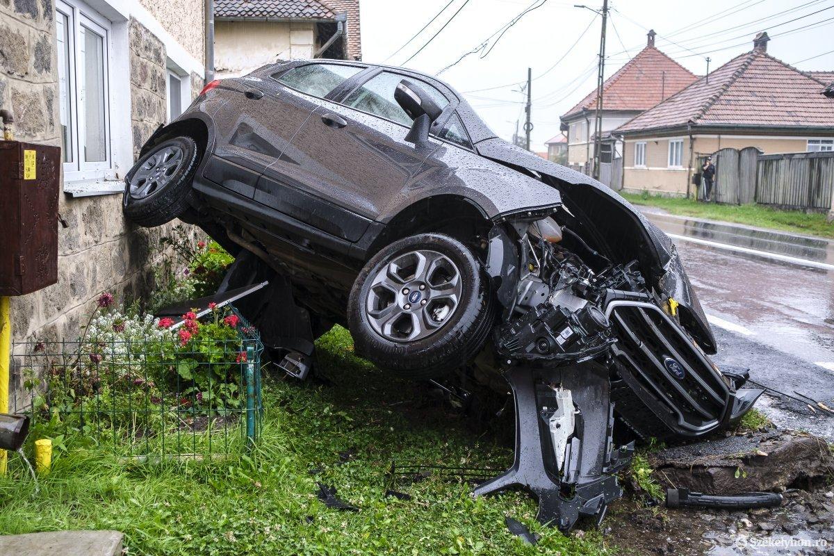 https://media.szekelyhon.ro/pictures/udvarhely/aktualis/2020/04-szeptember/o_baleset-szentegyhazan-vn-005.jpg