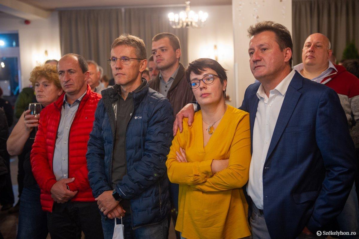 https://media.szekelyhon.ro/pictures/udvarhely/aktualis/2020/04-szeptember/o_valasztas_pol_belo-32.jpg