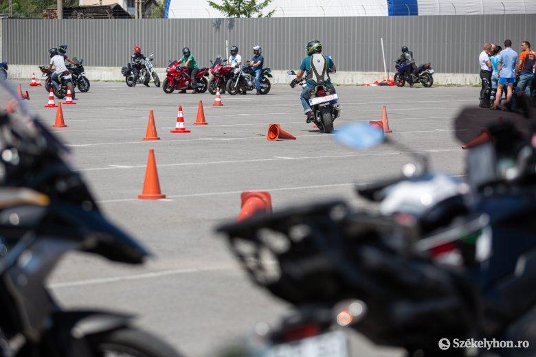 Baleset-megelőzési napon bővíthették tudásukat a motorosok