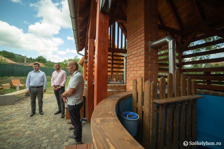 Sósfürdő Homoródalmáson – átutazás helyett helyben tartanák a turistákat