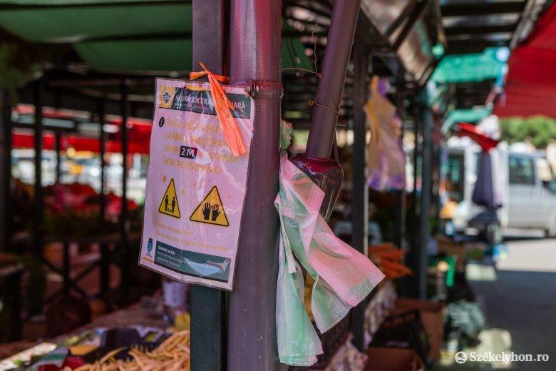 Szigorít a városvezetés, miután sem az árusok, sem a vásárlók nem tartották be a szabályokat