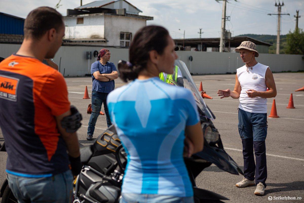 https://media.szekelyhon.ro/pictures/udvarhely/aktualis/2020/05-augusztus/o_baleset-megelozes-ebe-503.jpg