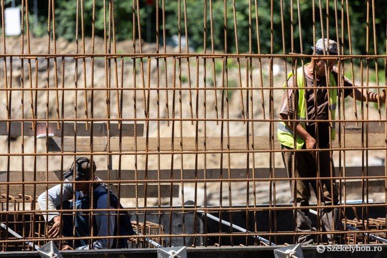 Szüneteltetni kellett a munkálatokat Décsfalva határában, tolódik a híd megépítése