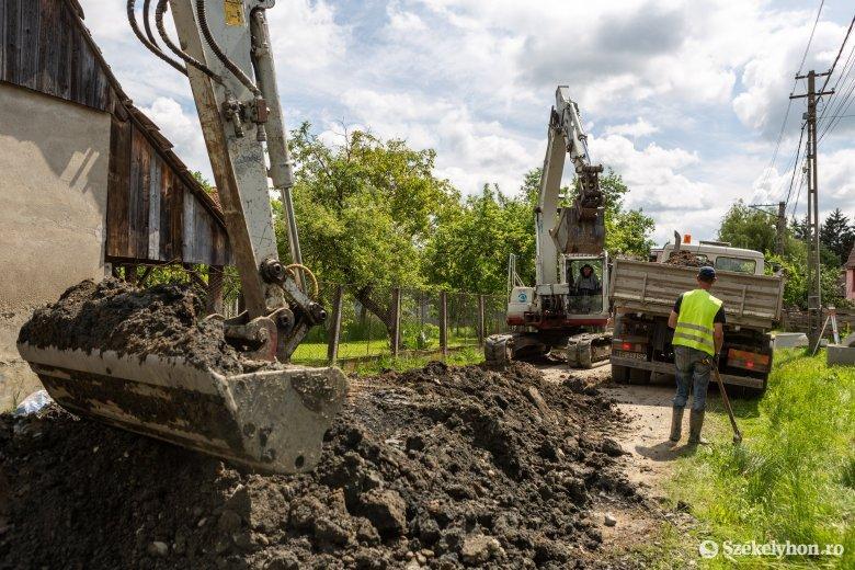 Óvodát és szennyvízhálózatot építenek Bögöz községben