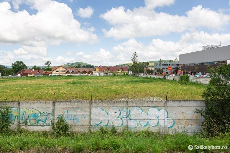 Túllicitálták az önkormányzatot, másé lett a Vásártér utcai telek