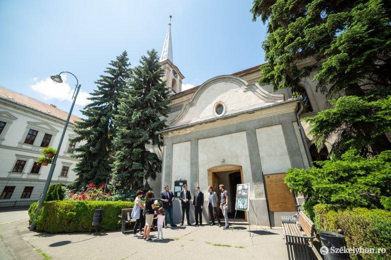 Teljes egészében megújul a székelyudvarhelyi belvárosi református templom