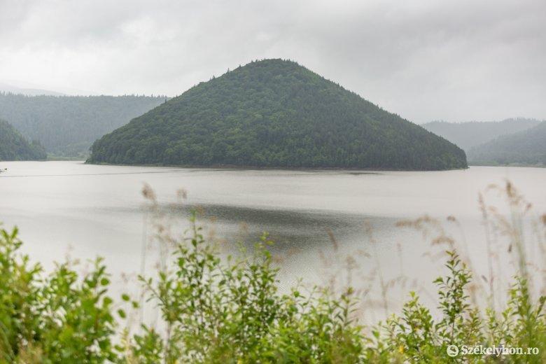 Több millió köbméternyi vizet fogott fel a zetelaki víztározó