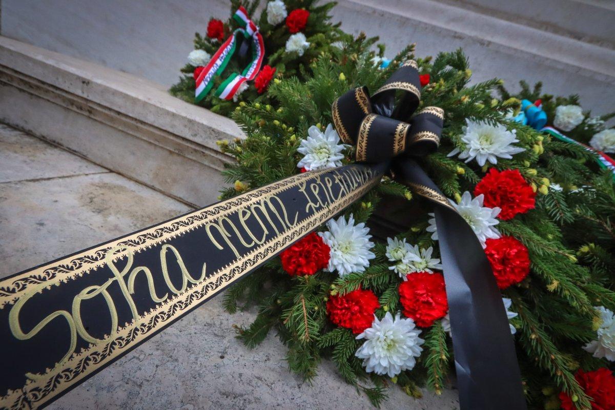https://media.szekelyhon.ro/pictures/udvarhely/aktualis/2020/07-juni/o_trianon-megemlekezes-szekelyudvarhely-ba-11-.jpg