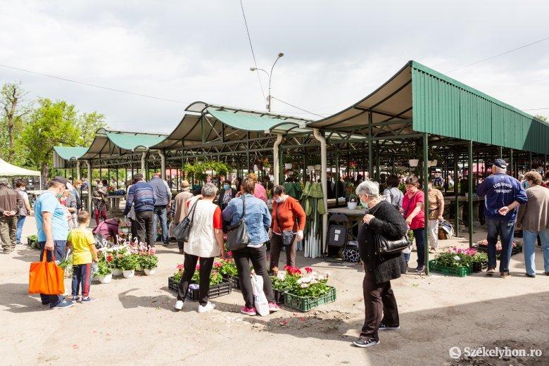 Kötelező lesz a maszkviselés a székelyudvarhelyi piacokon és zsúfolt köztereken