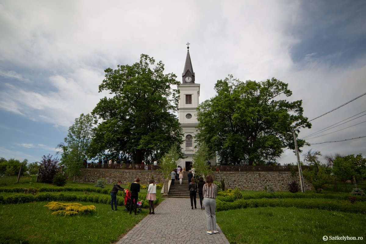 https://media.szekelyhon.ro/pictures/udvarhely/aktualis/2020/08-maj/o_farkaslaka-ebe-10.jpg