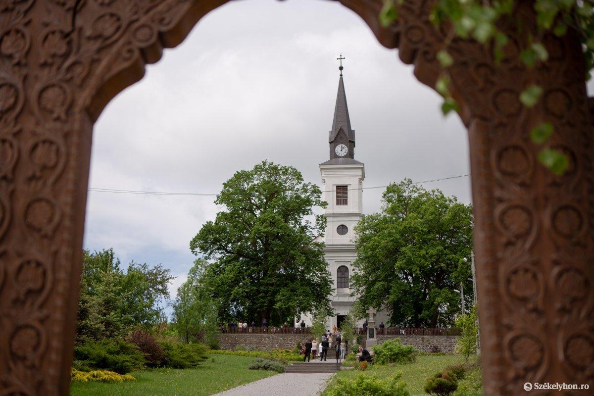 https://media.szekelyhon.ro/pictures/udvarhely/aktualis/2020/08-maj/o_farkaslaka-ebe-12.jpg