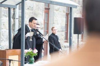 Az idei úrvacsorai ünneplés hasonló volt az első, ég alatti pünkösdhöz