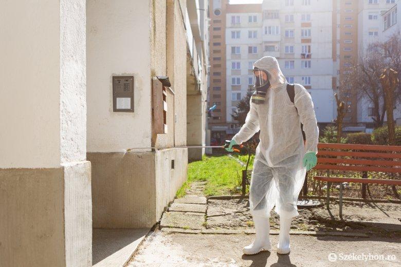 Lépcsőház-fertőtlenítés Székelyudvarhelyen: sok a panasz az elvégzett munka után