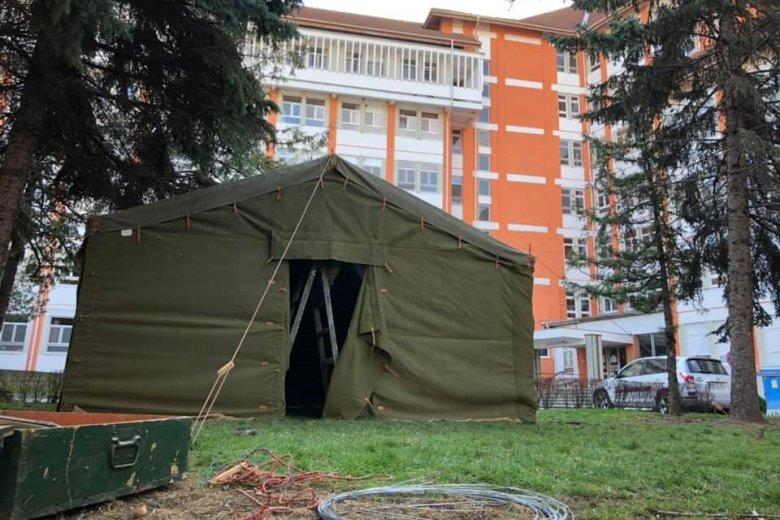 Előszűrésre alkalmas katonai sátrakat állítottak fel Székelyudvarhelyen
