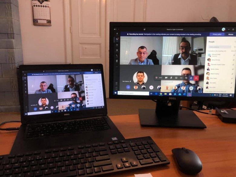 Online bonyolította le soros havi ülését a székelyudvarhelyi önkormányzati testület