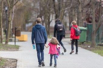 Szenátus: januártól emelkedik a gyerekpénz összege