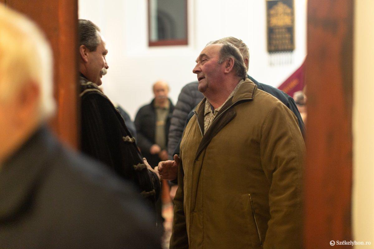 https://media.szekelyhon.ro/pictures/udvarhely/aktualis/2020/12-januar/o_istentisztelet-imahet--hotgya-ebe-118.jpg